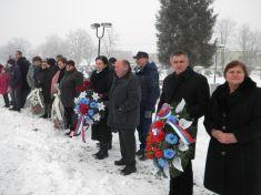 Kladenie vencov pri píležitosti oslobodenia obce 15.január 2017..miestny cintorín